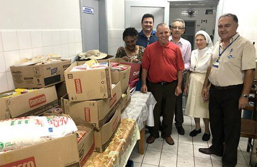 Pérola do Oeste doa alimentos arrecadados no natal para SOS