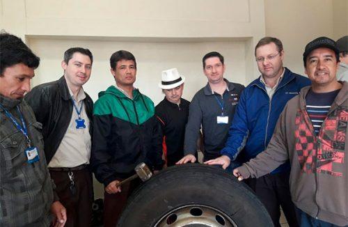 Treinamento para colaboradores sobre qualidade de pneus
